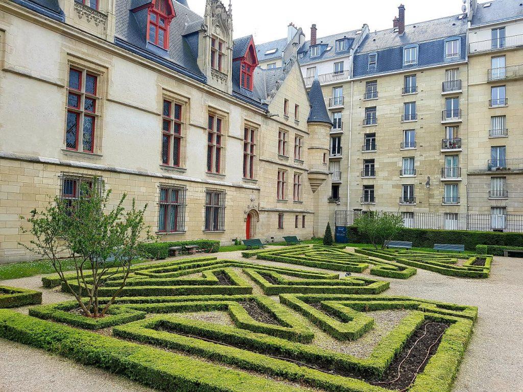 Jardin de l'Hôtel-de-Sens
